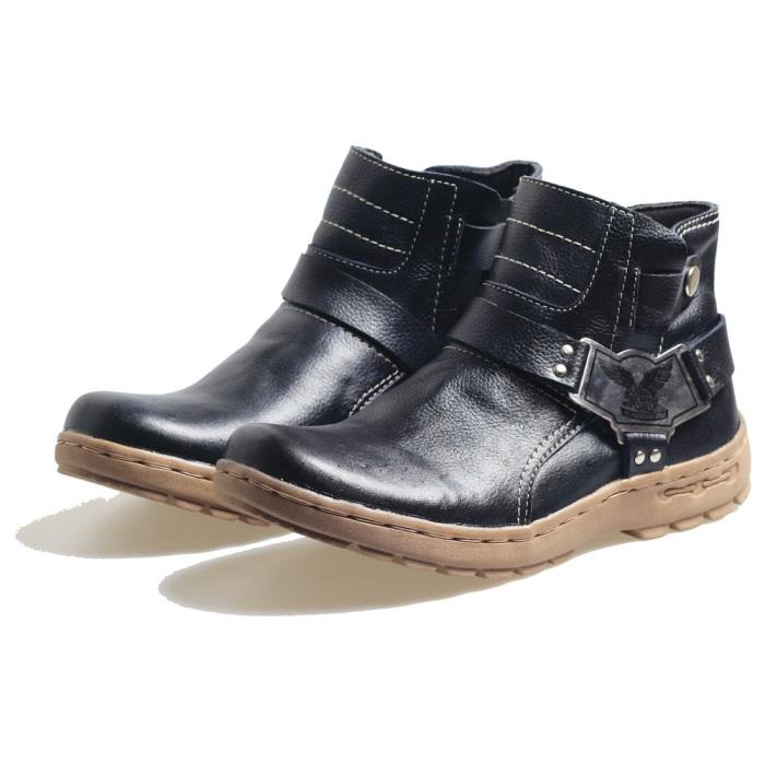 Sepatu Touring IS003