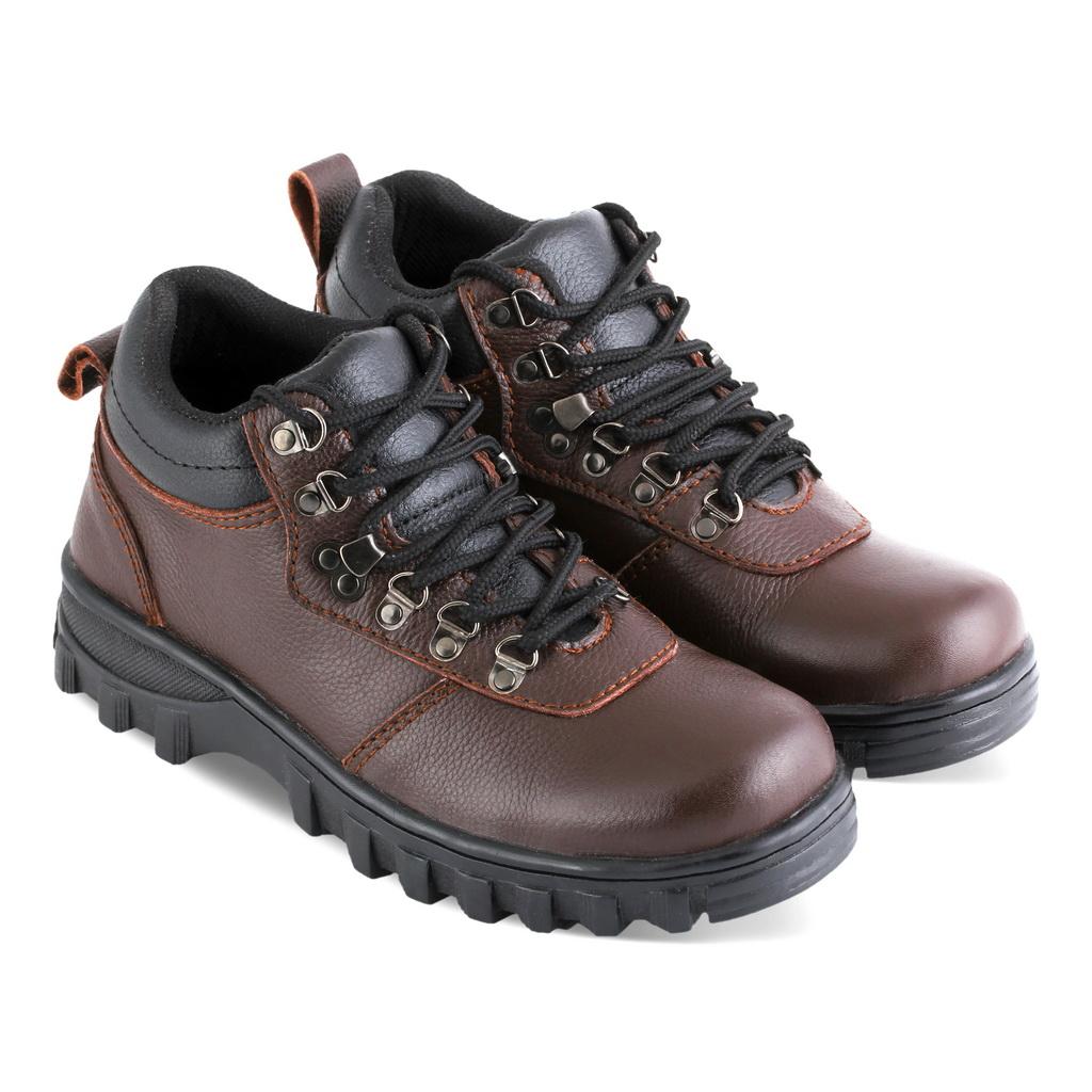 Sepatu gunung IS004